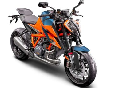 KTM_1290_SUPER_DUKE_R_MY20__Orange__frontright
